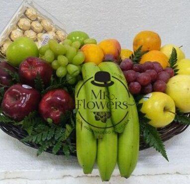 Canasta con Frutas y Chocolates