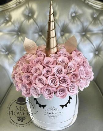 Unicornio Caja con Rosas