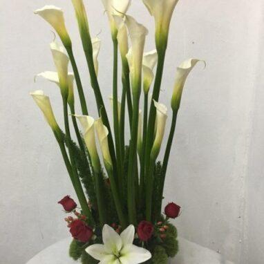 Arreglo Floral con 20 Alcatraces