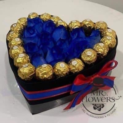 Corazon de Rosas Azules y Chocolates Ferrero