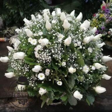 Arreglo Floral con 50 Rosas